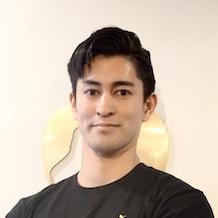 秋山トレーナー